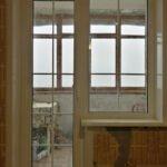 Балконный блок KBE 58 мм, белые шпросы 18 мм, подоконник Лучидо Бьянко, отделка откосов Панелями ПВХ в панельном доме в Бобруйске, Кировск, Осиповичи, Глуск