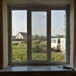 Пластиковое окно 3х-створчатое с 1-й поворотно-откидной створкой, без отделки откосов, в кирпичном здании Бобруйск, Кировск, Глуск, Осиповичи