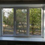 Заказать пластиковое окно 3-хстворчатое Brusbox 70 с откосами из сендвич-панели Бобруйск, Кировск, Глуск, Осиповичи