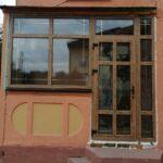 Заказать входную группу: дверь ПВХ 9, дверной профиль Dexen A58, с окнами Dexen 58L, ламинация Винтажная сосна и шпросы 8 мм золото Бобруйск, Кировск, Глуск, Осиповичи